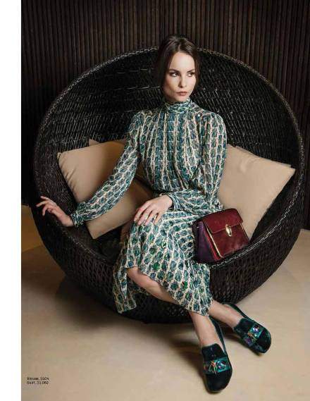 ENG_OME096_FASHION_Tory Burch_ss2_FINAL_Page_02